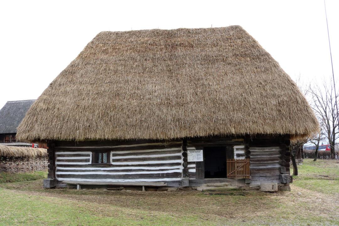 Gospodăria COSTENI, zona etnografică Lăpuș