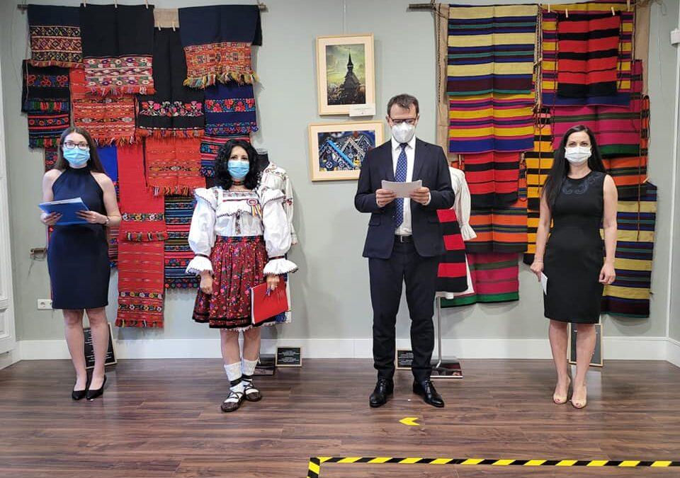 """EXPOZIȚIA """"MARAMUREȘ: TRADIȚII ȘI POVEȘTI"""" – 5 iulie 2021, la Institutul Cultural Român din Madrid"""
